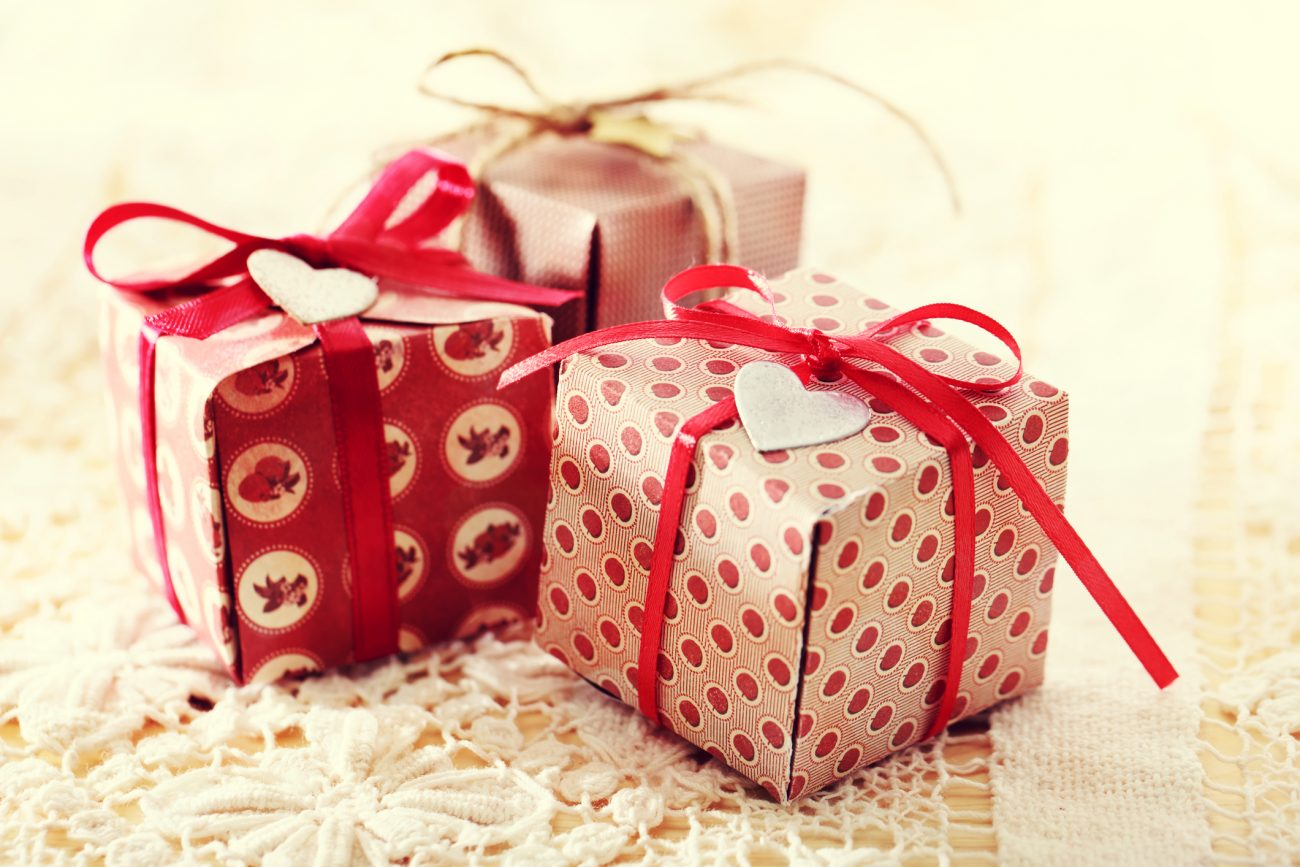 How To Make Your Own Customized Cute Gift Box